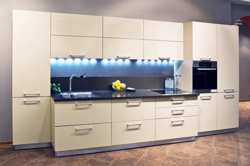 Светло бежевая кухня из МДФ №48