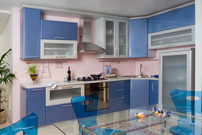 Кухня синяя угловая