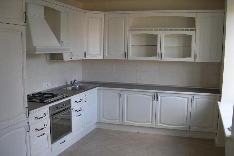 Кухня белая из МДФ №39