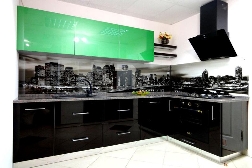 Черно зеленая кухня из пластика №37