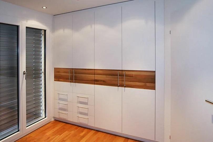 Встроенные распашные шкафы